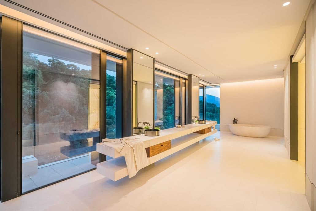10 Bedrooms Bedrooms, ,14 BathroomsBathrooms,Villa,For Sale,1050