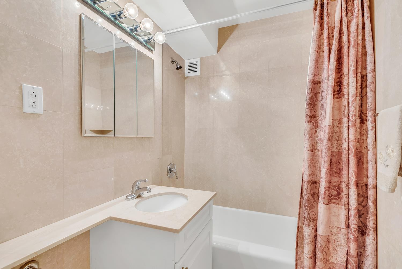 2 Bedrooms Bedrooms, ,2 BathroomsBathrooms,Condo,For Sale,1083